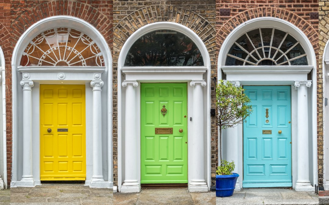 Home Renovation: An Easy Guide To Painting Your Wood Door