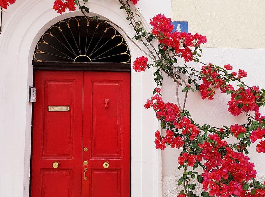 Three Basic Ways To Create a Stunning Front Door